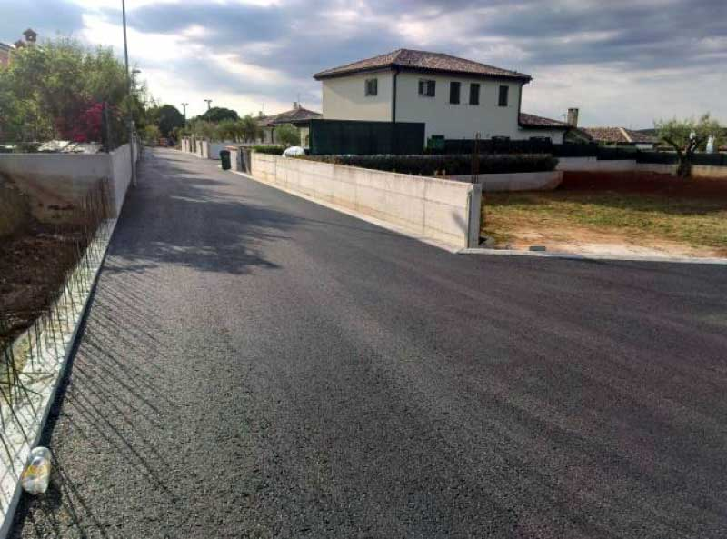 Prema programima gradnje komunalne infrastrukture asflatirana je cesta u Malotiji